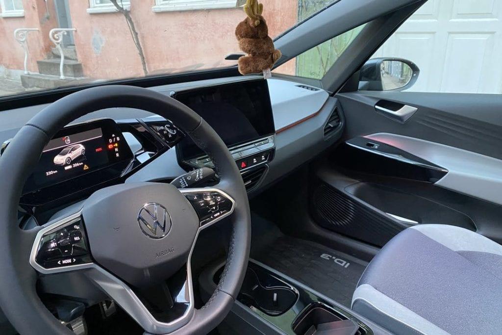 billede af volkswagen indefra ved forsæde og skærm
